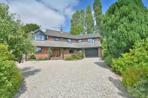 Onslow Gardens, Wimborne. 5 bedroom detached house