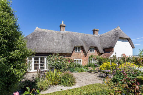 Witchampton, Wimborne. 4 bedroom cottage