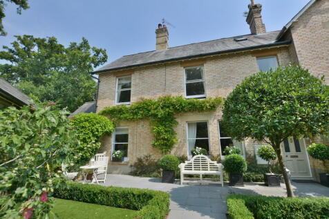 Rowlands Hill, Wimborne. 3 bedroom semi-detached house