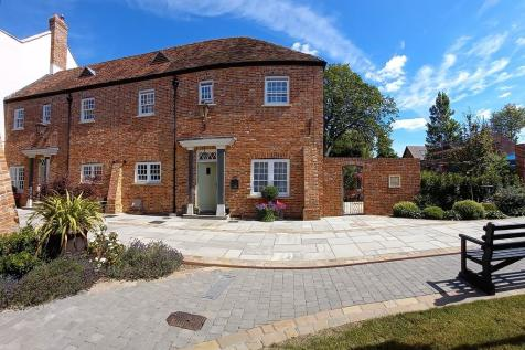 Stapehill Abbey, Wimborne. 3 bedroom end of terrace house