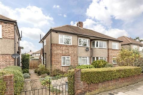 Amyand Park Road, Twickenham, TW1. 2 bedroom maisonette