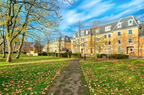 Sycamore House, 5 Langdon Park, Teddington, TW11. 2 bedroom flat