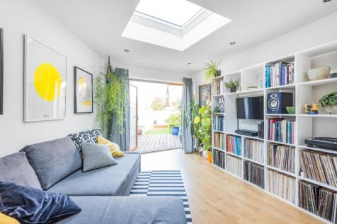 Landcroft Road, East Dulwich. 2 bedroom flat