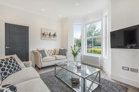 Friern Road, East Dulwich. 2 bedroom flat