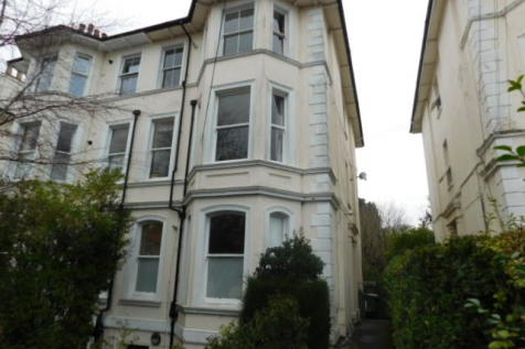 St. James Road, Tunbridge Wells, Kent, TN1. 2 bedroom apartment
