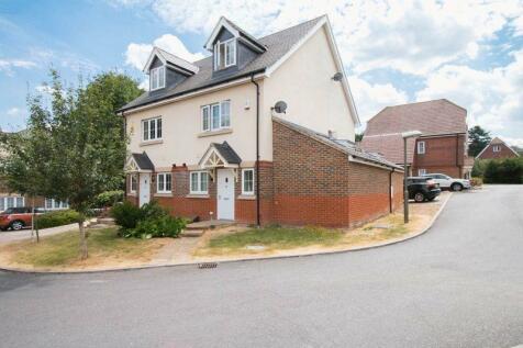 Ash Close, Banstead. SM7 1BZ. 3 bedroom semi-detached house for sale