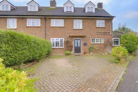 Parsonsfield Close, Banstead. SM7 1JT. 3 bedroom semi-detached house for sale