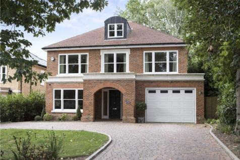 Woodside Road, Cobham, Surrey, KT11. 5 bedroom detached house