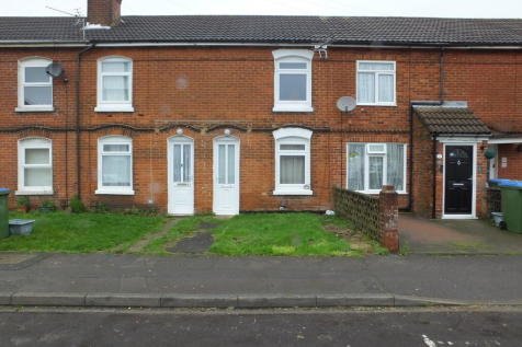 Chapel Crescent, Sholing. 2 bedroom terraced house