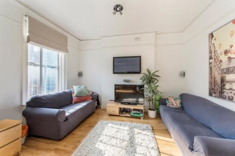 Fulham Road, London. 2 bedroom flat