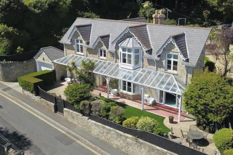 Shore Road, Bonchurch, Isle of Wight. 4 bedroom detached house for sale