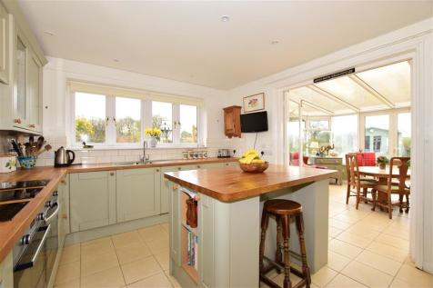 Quay Lane, Brading, Sandown, Isle of Wight. 4 bedroom detached house for sale