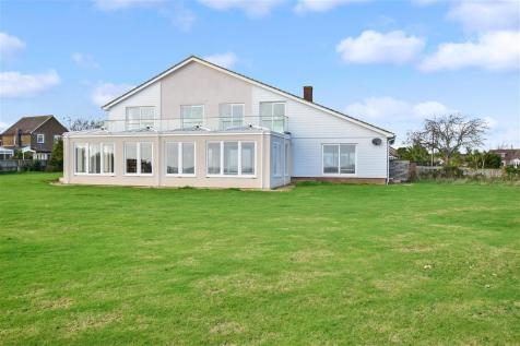 Paddock Drive, Bembridge, Isle of Wight. 5 bedroom detached house for sale