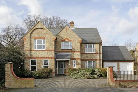 The Chesters, Traps Lane, New Malden, Surrey, KT3. 4 bedroom detached house