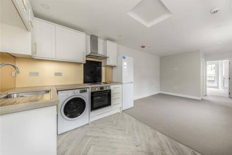 Coombe Lane, Raynes Park, SW20. 1 bedroom flat