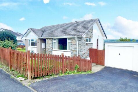 Walton Way, Barnstaple, Devon, EX32. 2 bedroom bungalow