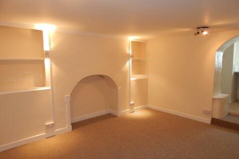 Newport Terrace, Barnstaple, Devon, EX32. 1 bedroom apartment