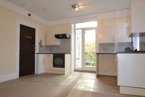 Victoria Road, Barnstaple, Devon, EX32. Studio apartment
