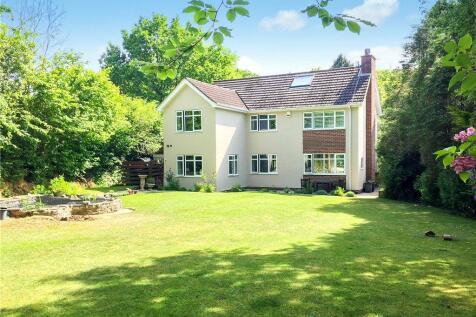 Harcombe Road, Axminster, Devon. 4 bedroom detached house