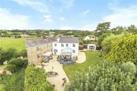 Castle Hill, Axminster, Devon. 4 bedroom detached house