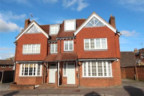 Rockdale Road, Sevenoaks, Kent, TN13. 3 bedroom town house