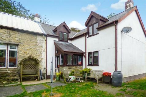 Bryngwyn, Kington, Herefordshire. 3 bedroom equestrian facility for sale