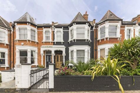 Hillfield Road, West Hampstead. 4 bedroom flat for sale