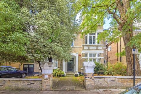 Priory Road, South Hampstead. 2 bedroom flat for sale