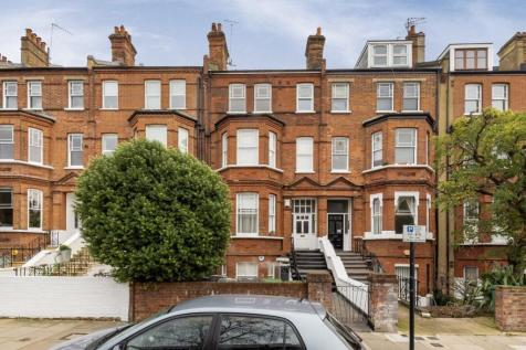 Fairhazel Gardens, West Hampstead. 3 bedroom flat for sale