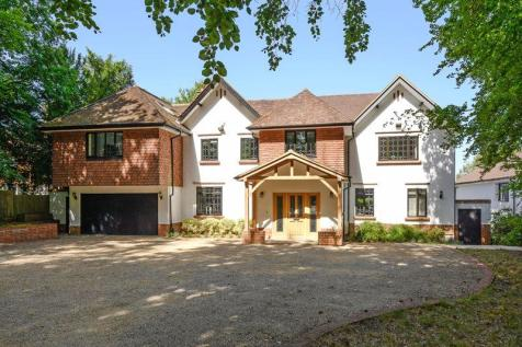 Guildford Road, Fetcham. 5 bedroom detached house for sale