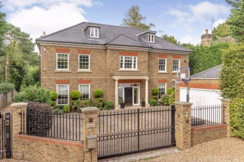 Green Lane, Cobham KT11. 6 bedroom detached house