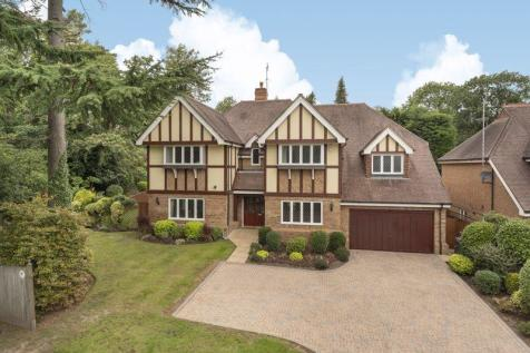 Sandy Drive, Cobham. 5 bedroom detached house