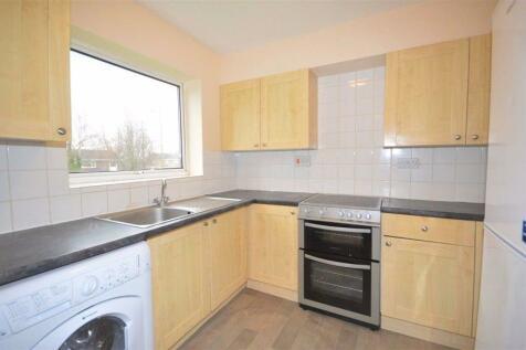 Roydon Court, Hemel Hempstead, HP2. 2 bedroom flat