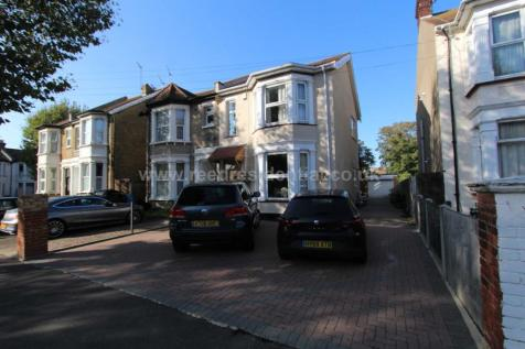 Kilworth Avenue, Southend On Sea. 5 bedroom semi-detached house for sale