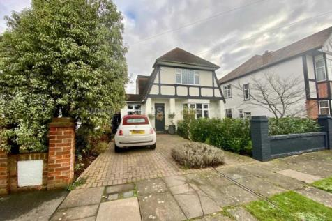 Merilies Close, Westcliff On Sea. 3 bedroom house for sale