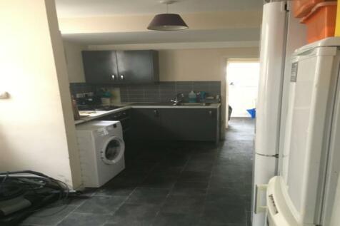 Northcote Road, Croydon, CR0. House share