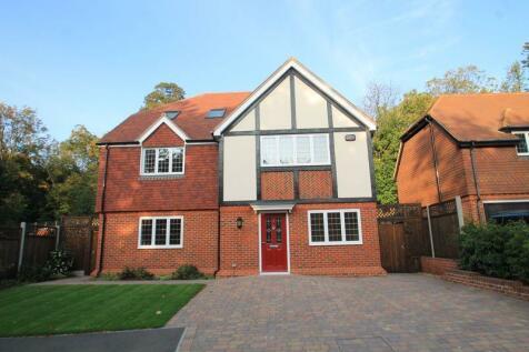 Greenwood Park, Dartford. 6 bedroom detached house