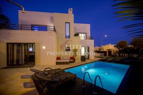 Algarve, Albufeira. 4 bedroom villa for sale
