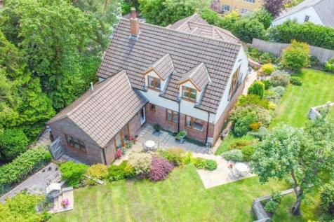 Aspley View, Church Street, Aspley Guise, Milton Keynes. 5 bedroom detached house for sale