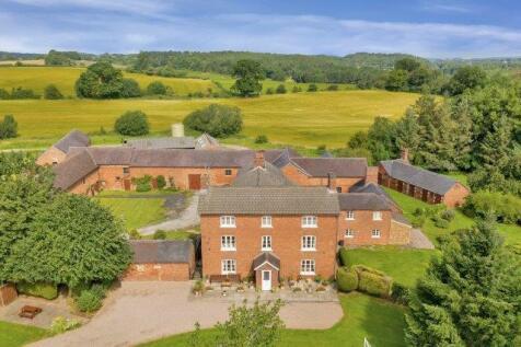 Yarnfield Lane, Stone, Staffordshire, ST15. 5 bedroom farm house for sale