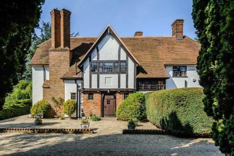 Melford Road, Sudbury, Suffolk, CO10. 4 bedroom detached house