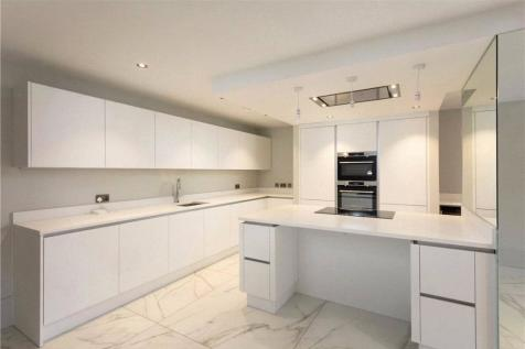 Clifford Street, York, North Yorkshire, YO1. 2 bedroom apartment for sale