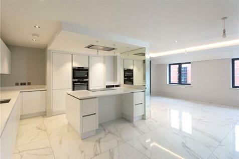 Clifford Street, York, North Yorkshire, YO1. 2 bedroom apartment