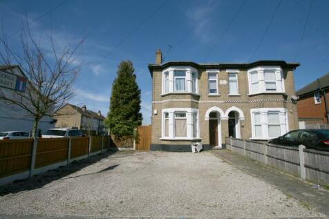Brentwood Road, Romford, London, RM1. 2 bedroom ground floor flat