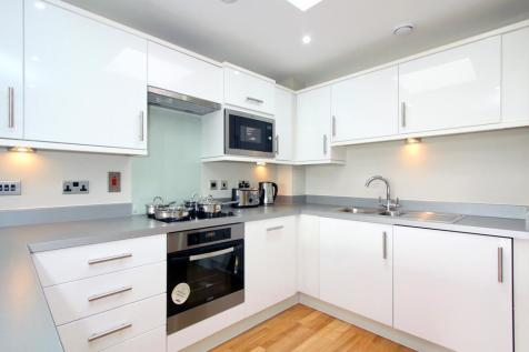 Camberwell New Road, SE5. 2 bedroom flat