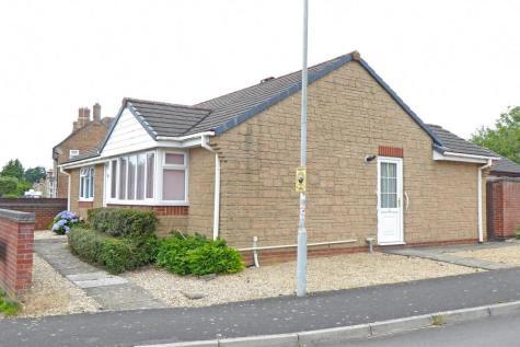 Home Farm Way, Ilminster. 2 bedroom detached bungalow