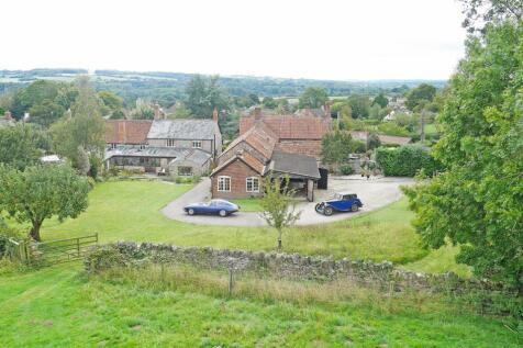 Winsham, Somerset.. 4 bedroom detached house