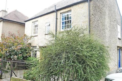 2 Church Path, Crewkerne. 4 bedroom detached house
