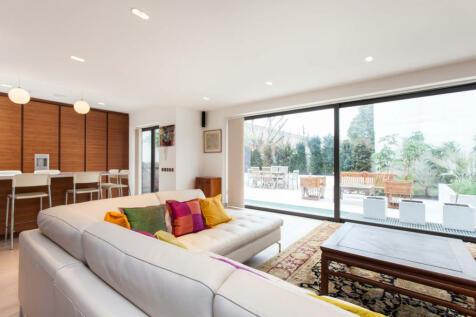 Pembroke Road, Kensington. 8 bedroom property