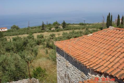 Agios Nikolaos, Laconia, Peloponnese. 3 bedroom stone house for sale